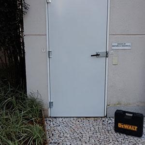 Instalação de Portas Corta Fogo