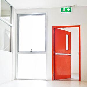 Porta de Emergência Corta Fogo